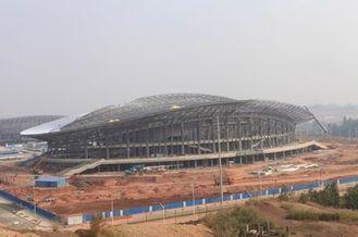중국 OEM 강철 구조물, 조립식으로 만들어진 관 금속 트러스 건물 및 스포츠 경기장 협력 업체